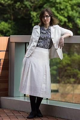 Sommerkostüm (Faltenrock + Blazer) aus naturweißem Leinen mit - Baumwolle Falten Kostüm