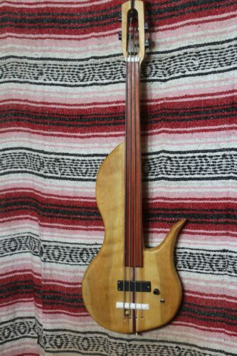 "Bass Fretless 4 String Curly Cherry Wishbass Short Scale 28"" Soapbar Pickup"