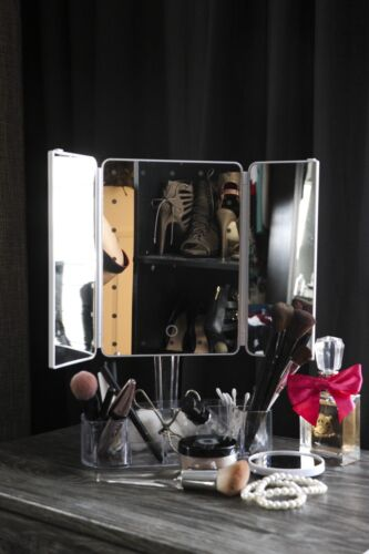 Vanity Touch Trifold Makeup Mirror With Bluetooth Speaker An