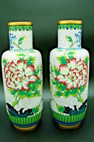 BEAUTIFUL PAIR VINTAGE CHINESE BRASS CLOISONNE ENAMEL VASES FLOWERS