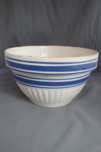 ANTIQUE YELLOWARE YELLOW WARE STONEWARE BLUE AND WHITE BANDED MIXING BOWL