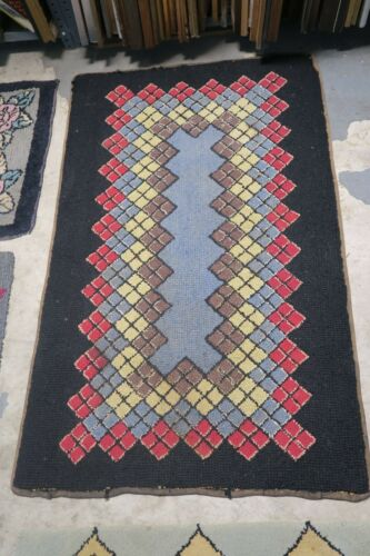 Primitive Antique American Hand Hooked Rug Wool on Burlap  2