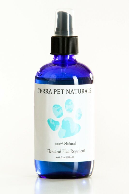 100% Natural Flea and Tick Repellent Spray for Dogs and Puppies.