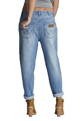 Boyfriend jeans.