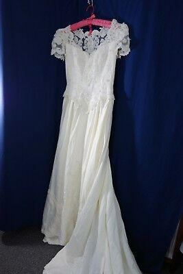Wedding Gown - Sweetheart Brand- M- Ornate Beading & Embroidery- GORGEOUS- SALE