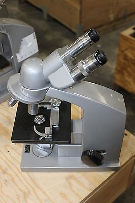 Reichert Microscope With Eye Pieces Objectives