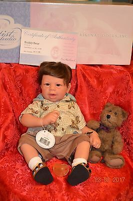 """Lee Middleton """"Buddy Bear"""" in original box with COA"""