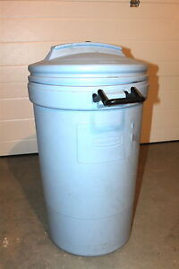 Blue Rubbermaid Trash Container with wheels
