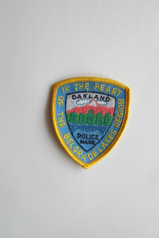 """3"""" OAKLAND POLICE MAINE,OF THE BELGRADE LAKE REGION IN THE HEART PATCH"""