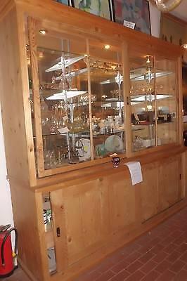gr. antike Verkaufsvitrine,   Rückbuffett in Weichholz,  Kämerladenschrank