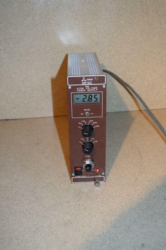 ORTEC 556 HIGH VOLTAGE POWER SUPPLY NIM BIN (TP1029)