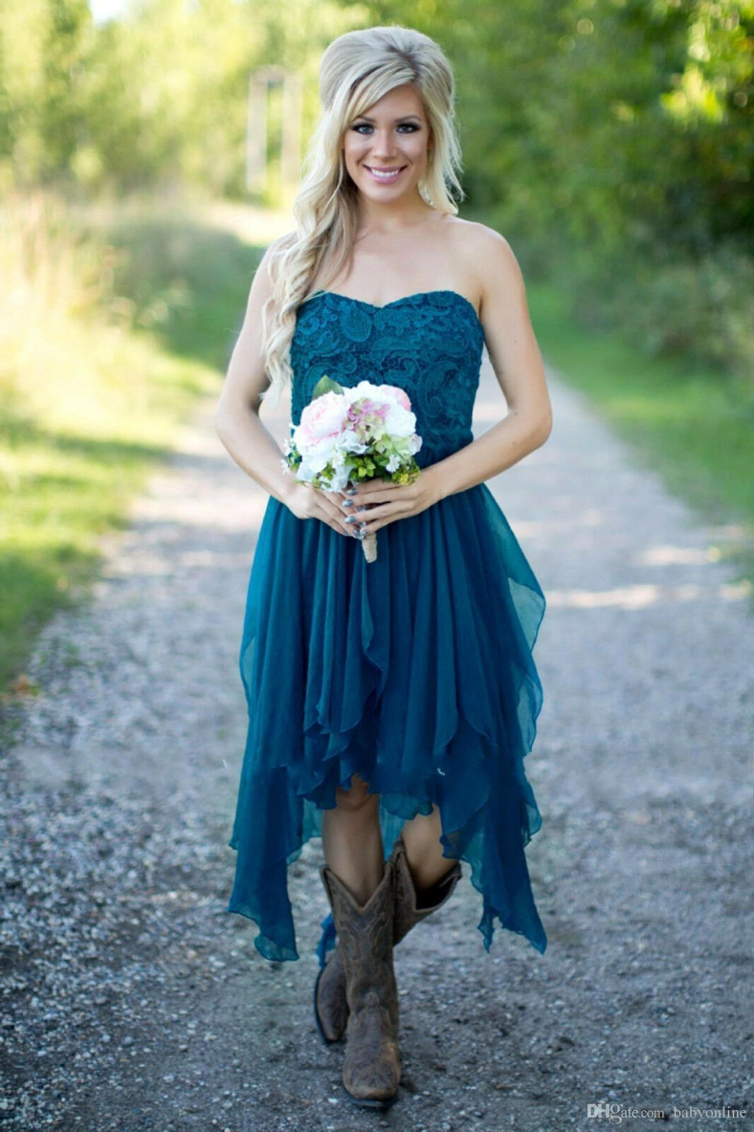 1af6777e9cf43 Country Style Wedding Dresses With Cowboy Boots - PostParc