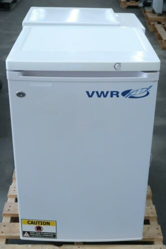 VWR SCUCFS-0420 Freestanding Undercounter Refrigerator for Laboratory
