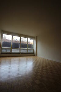 Spacious 2.5 available August - TUPPER - DOWNTOWN - CABOT SQUARE
