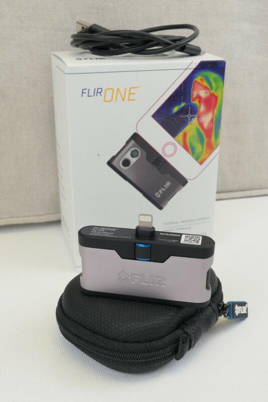 FLIR One iOS Thermal Camera - 435-0004-01 - Original Box and accessoires