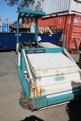 Tennant Street Power Sweeper 255ii Propane
