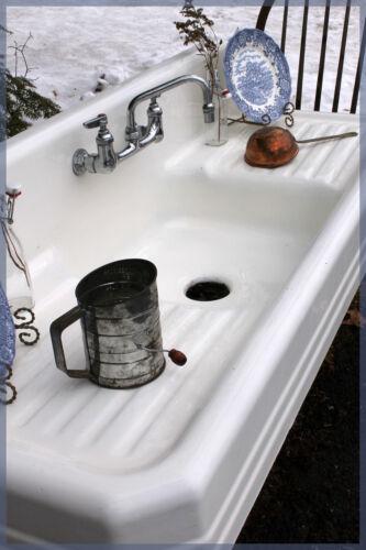 Vintage Antique Farmhouse Farm Sink Porcelain over Cast Iron, Mint Condition