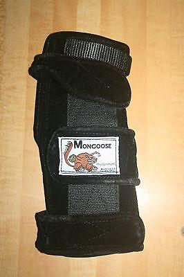 "Mongoose ""Optimum"" bowling Wrist Band Support, MLO, Left hand, Medium, Black"