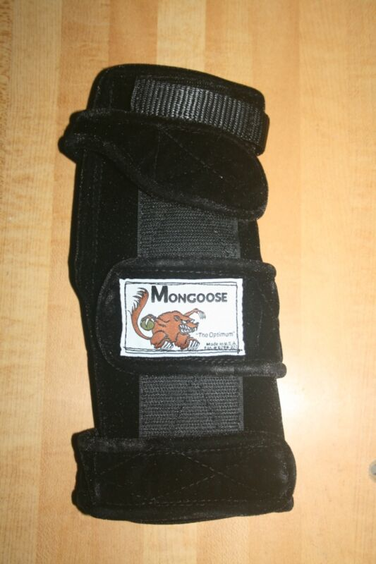 "Mongoose ""Optimum"" bowling Wrist Support, SRO, Right hand, Small, Black"