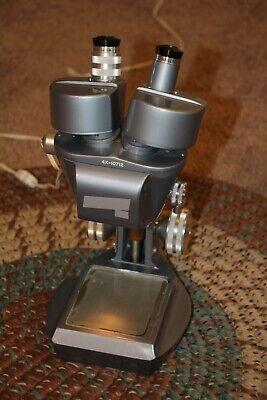 Reconditioned Vintage Stereo Microscope.. Apx 30x 60x