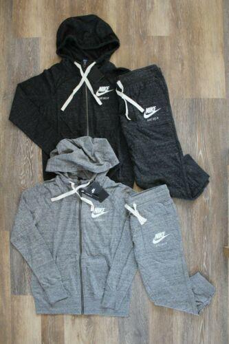NWT Nike Women