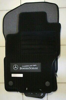 Satz original Mercedes Benz ML GL 164 Velours Fußmatten Metallemblem Autohaus