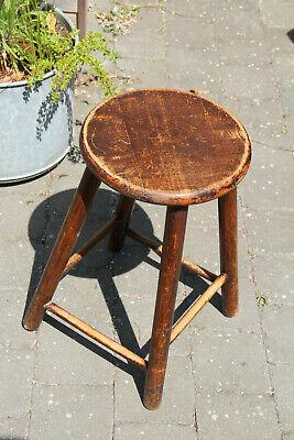 Tabouret ancien en bois brut