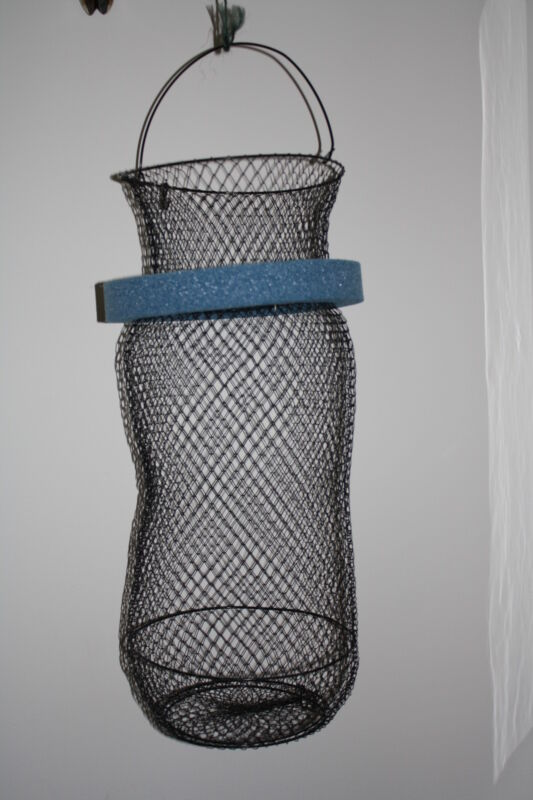 5G FISH BASKET WITH REMOVEABLE FLOAT FITS INSIDE A 5 GALLON BUCKET