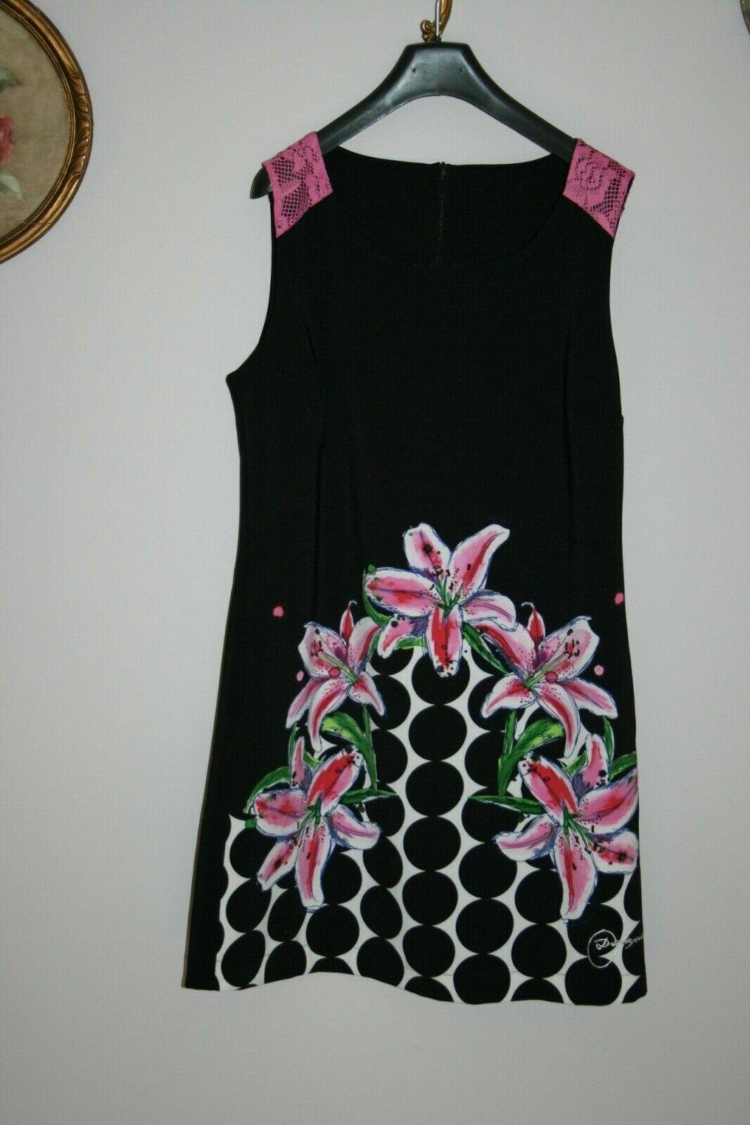 Robe noire  desigual avec lys rose