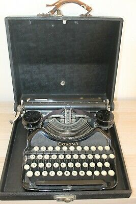 VINTAGE LC SMITH CORONA PORTABLE TYPEWRITER IN ORIGINAL CASE - BLACK