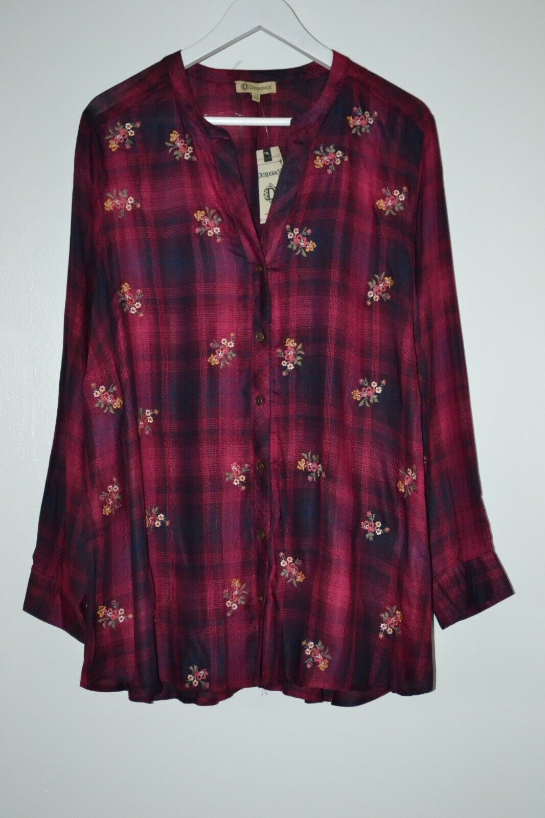 $84 Democracy Plaid Floral Embroidered Chic Shirt Tunic Rayo