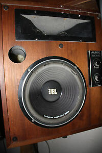 VINTAGE ALTEC MODEL 15 CABINETS.HORNS AND CROSSOVERS.BAD SPEAKERS.WAITING FOR U