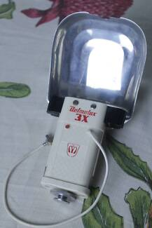 Delmolux 3X Vintage three bulb flash unit
