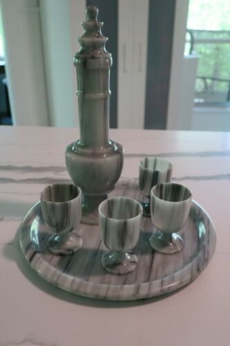 Sake Set 6 pieces Gray Jade Bottle w/lid, 4 cups & tray