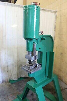 100 Ton Whitney Model 790 Hydraulic C Frame Flange Punch Yoder 68115