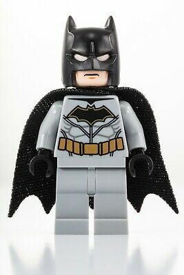 LEGO Batman Minifigure Authentic Super Heroes Figure From 76117