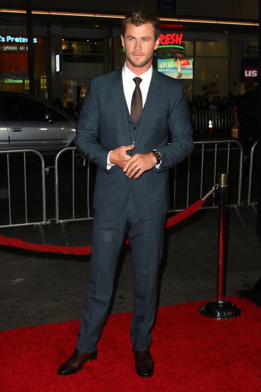 """Natürlich weiß """"Sexiest Man Alive 2014"""", Chris Hemsworth, den Mr. Grey-Style einzusetzen (Tommaso Boddi/Getty Images)"""