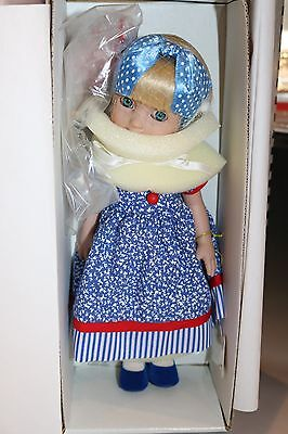 "Tonner Mary Engelbreit Ann Estelle 10"" Blue Bird"