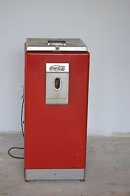 VINTAGE CAVALEIR  COKE MACHINE  1937 OFFICE CHEST (RARE COKE  MACHINE)
