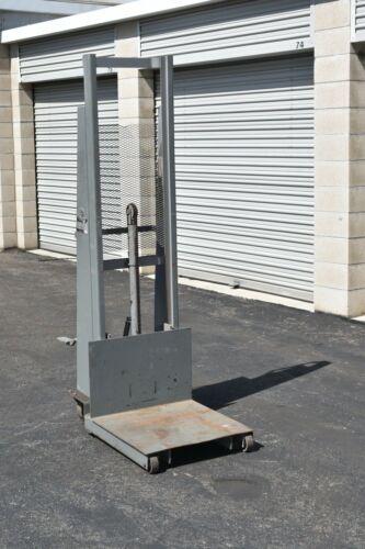 "Economy 60"" Lift 1000 Lb Load Manual Hydraulic Platform Stacker"