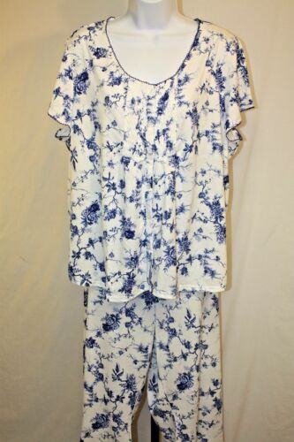 Me by Miss Elaine Womens Ladies Blue Floral 2 Piece Capri Pajamas Size 2X New