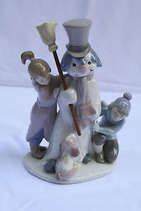 MAGNIFICENT HND PAINTED SPANISH LLADRO KIDS PLAYING WITH A SNOWMAN
