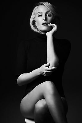 "Gillian Anderson 10"" x 8"" Photograph no 22"
