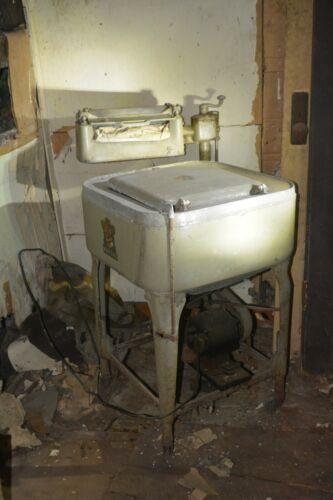 Antique Maytag Ringer WashING Machine Gyratator Newton Iowa Patent 1935 USA