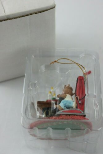 Adorable QVC Mouse on a Vacuum Christmas Ornament Illuminated Television
