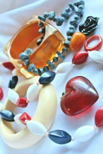 Bakelite and Lucite Jewelry Lot: Great Misc. Pieces w/Test Shown