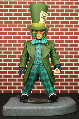 DC Direct Batman: The Long Halloween MAD HATTER Action Figure Series 1 2006