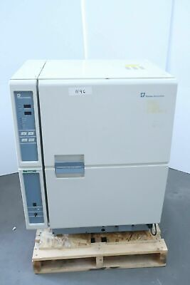 Forma Scientific 3195 Co2 Water-jacketed Incubator