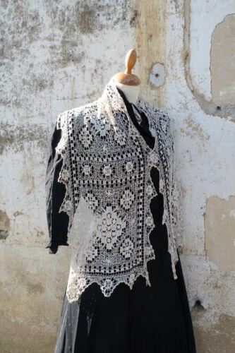 Vintage old Maltese lace bobbin silk cream Mantilla scarf stole