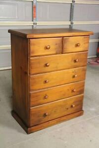 Good condition solid 6 drawers tallboy metal runner can deliver